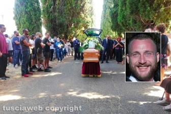I funerali di Francesco Squitieri - Nel riquadro: Francesco Squitieri