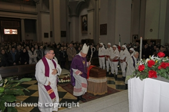 I funerali di Nello - Da casa di S. Rosa alla basilica