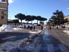 Emergenza neve, i lavori dentro le mura - Piazza del sacrario