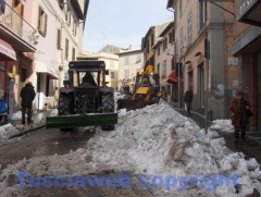 I lavori in via Cairoli alla presenza di Marini - Fausto Cappelli