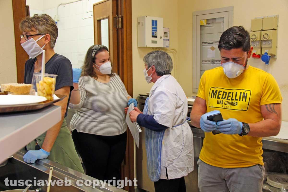 I volontari della Caritas