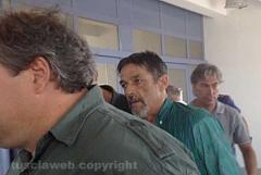 Un operaio, Luigi Goffi, minaccia di darsi fuoco in tribunale