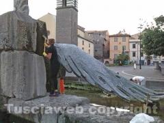 Pulita la fontana monumento del Sacrario