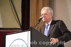 Il primo ministro Monti al cinema Genio