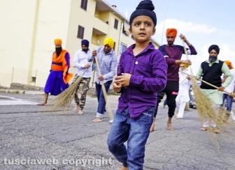 Il corteo dei sikh