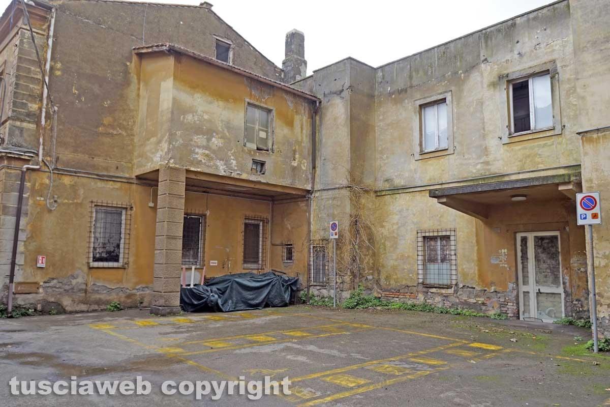 Il degrado dell'ospedale vecchio