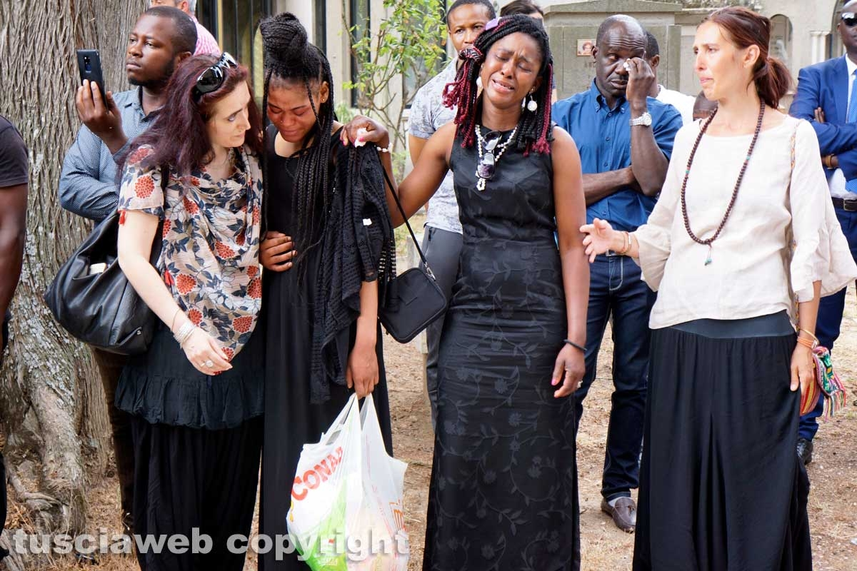 Il funerale di Joshua
