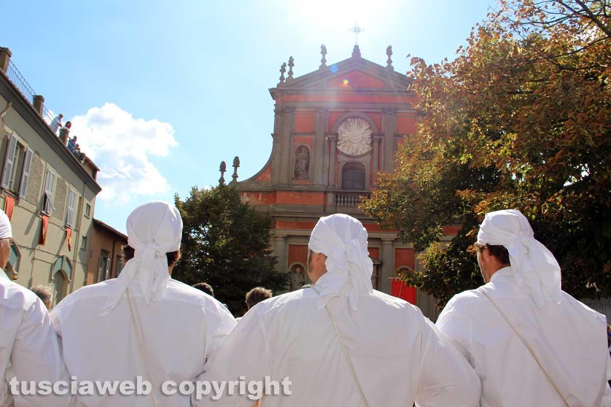 Il giro delle sette chiese e il canto alla Trinità