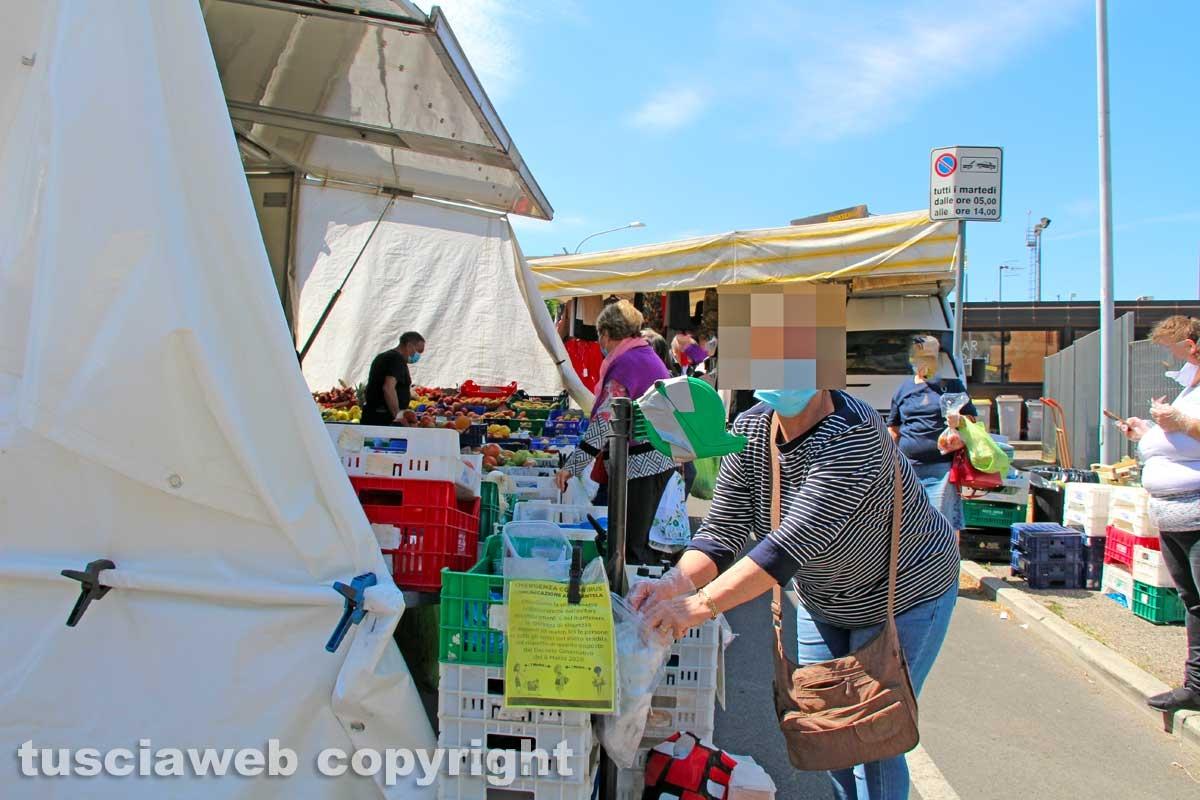 Il mercato del sabato al Carmine
