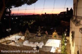Santa Rosa - Il tramonto su valle Faul dalla loggia di Palazzo dei priori