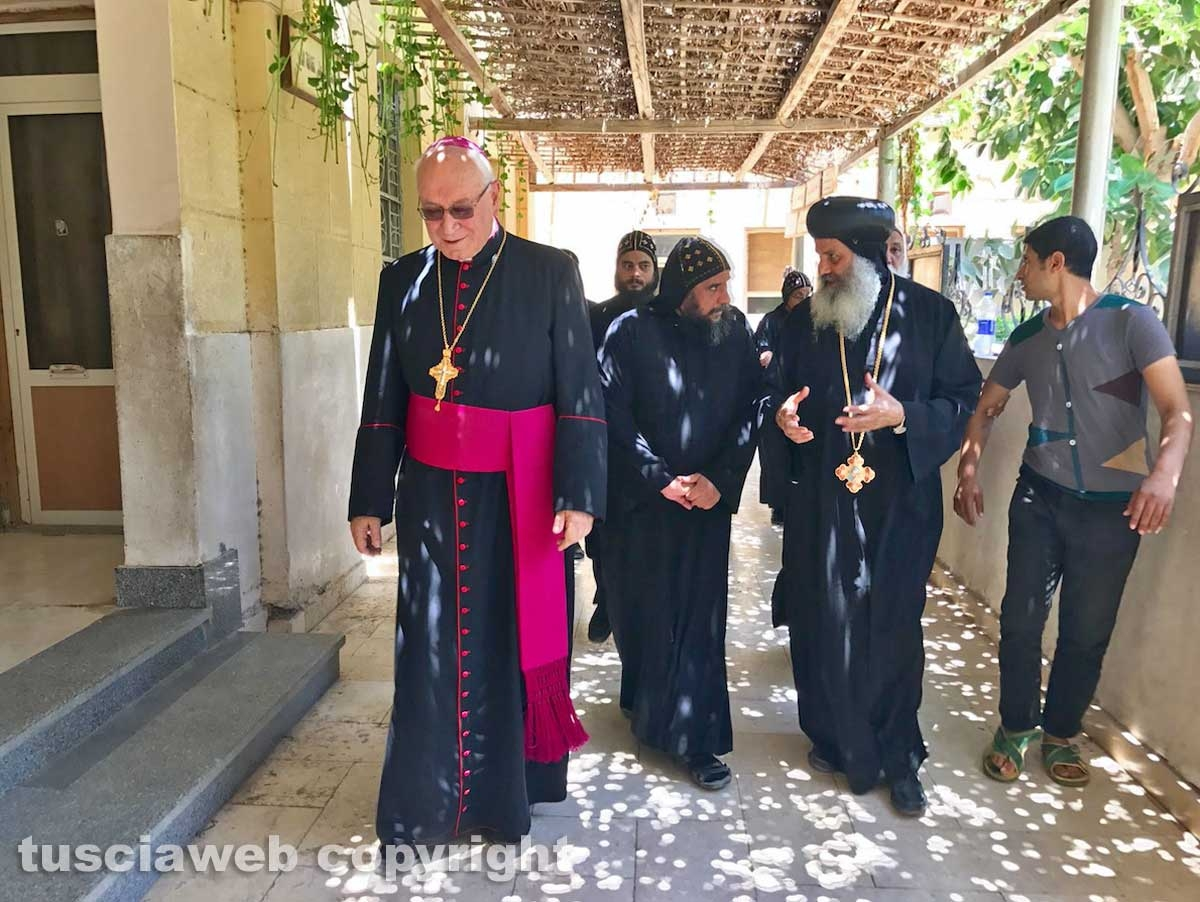 Il vescovo Lino Fumagalli in Egitto