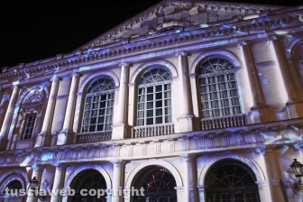 Il video mapping sul teatro dell'Unione