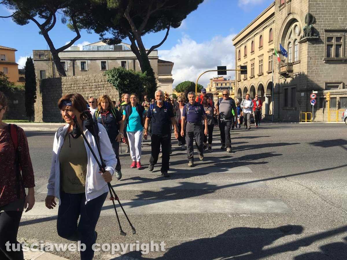 In cammino sulle vie dell'esilio di santa Rosa