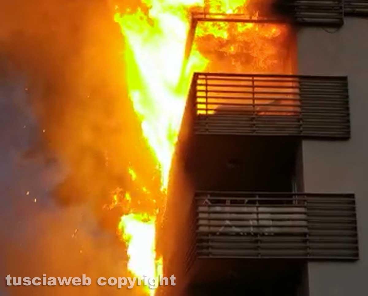 Albergo in fiamme a Montalto