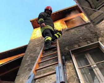 In fiamme appartamento a Marta