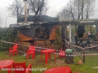 Capodimonte - In fiamme una pizzeria
