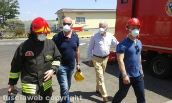 Incendio all'impianto di Casale Bussi - Il sindaco Michelini con Mazzola