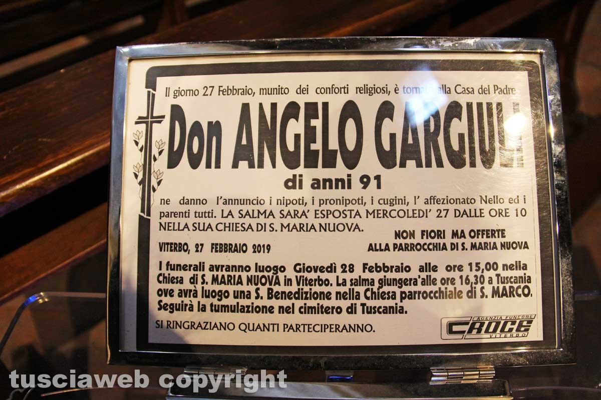Viterbo - La camera ardente per don Angelo Gargiuli