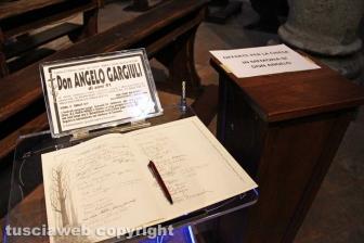 Viterbo - La camera ardente per don Angelo Gargiuli