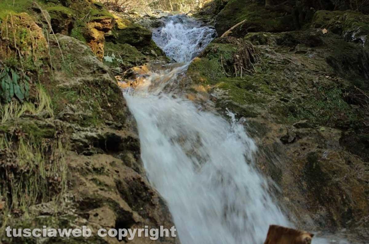 Ischia di Castro - La cascata del fosso Strozzavolpe