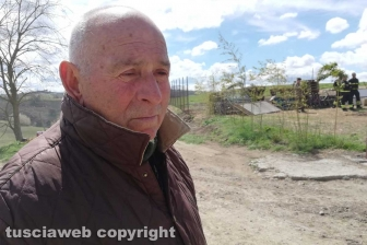 Farnese - Al via le operazioni di demolizione del capannone abusivo a Poggio del Cerro - Antonio Pira