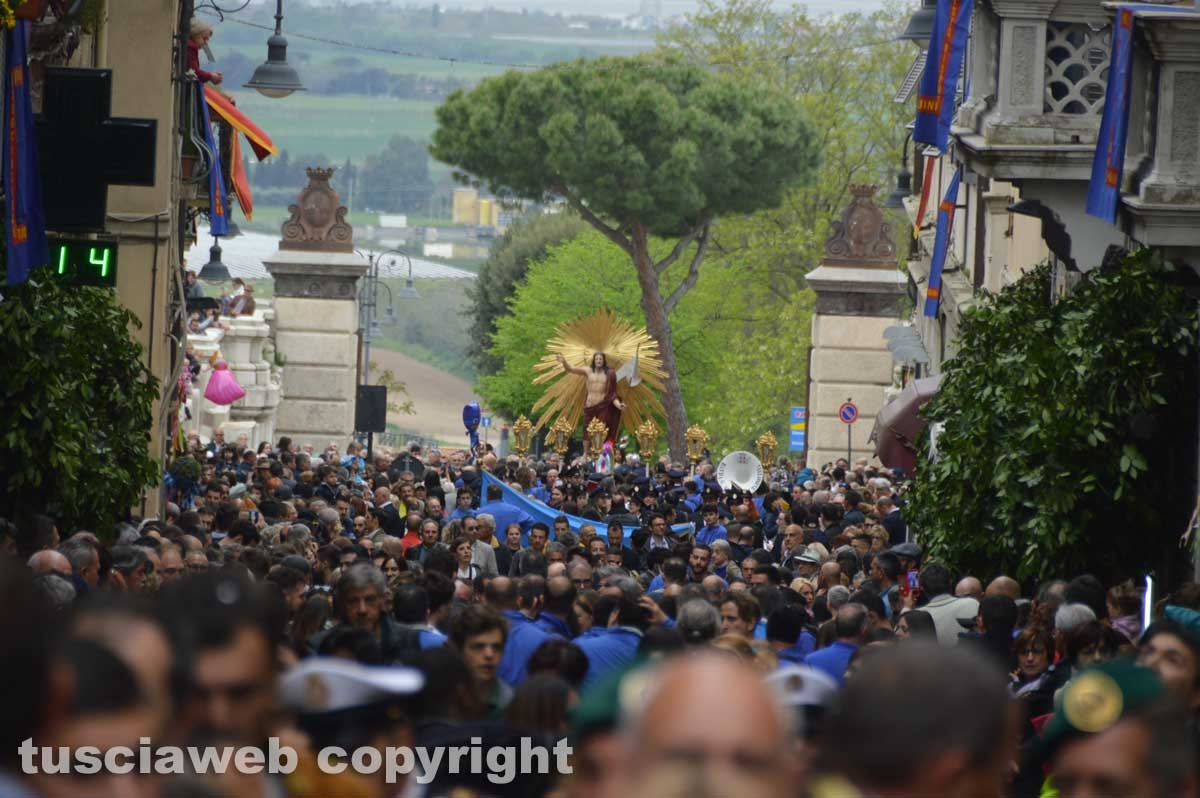 Tarquinia - La processione del Cristo risorto
