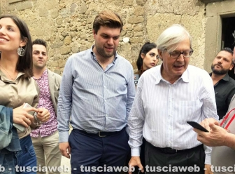 Vittorio Sgarbi a Bassano in Teverina col sindaco Alessandro Romoli