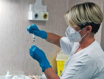Viterbo - La somministrazione dei primi vaccini anti-Covid a Belcolle