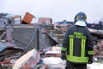 La villetta distrutta dall'esplosione