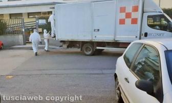 Viterbo - La bonifica e il ritiro dei rifiuti alla casa dello studente di via Cardarelli