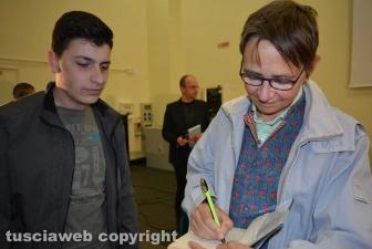 Viterbo - Susanna Tamaro con gli studenti