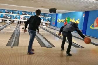 Viterbo - Gli studenti a scuola di bowling