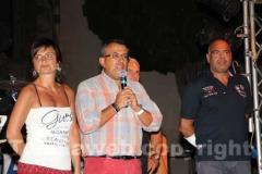 Cristina Pallotta sul palco con l\'assessore Contardo e il capo facchino Rossi