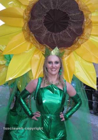 Carnevale di Ronciglione - Le mascherate di Pierina - I girasoli