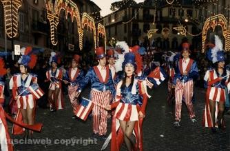 Carnevale di Ronciglione - Le mascherate di Pierina - Perché non ce ne jamm\'in America