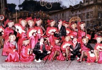 Carnevale di Ronciglione - Le mascherate di Pierina - Gigolò e Gigolettes