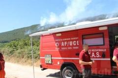 Le operazioni per domare le fiamme