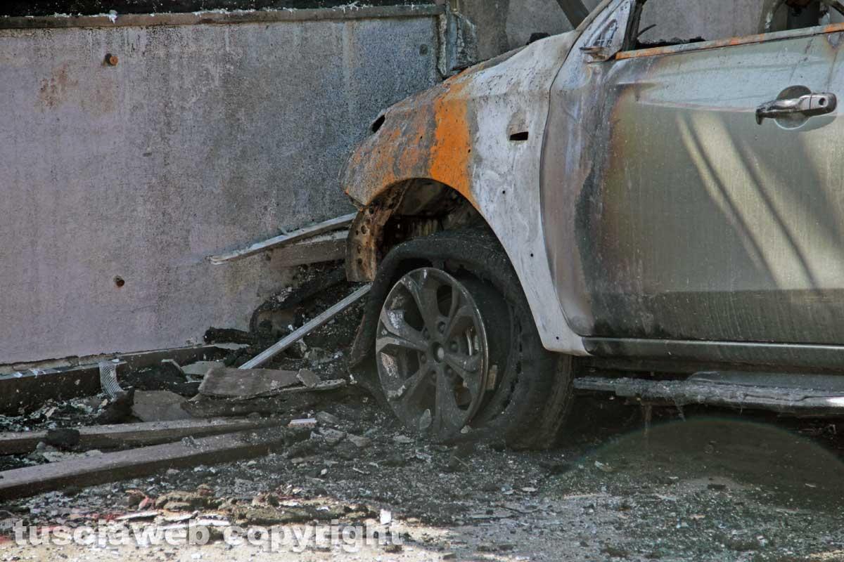 Montalto di Castro - L'hotel Margherita distrutto dall'incendio