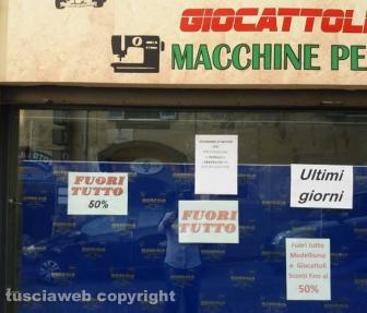 Viterbo - Lite in via Cairoli - La protesta dei negozianti