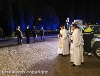 Montefiascone - L'immagine della Madonna del Giglio per le vie di Zepponami - La preghiera al cimitero