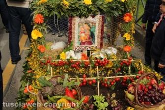 Marta celebra la festa della Madonna del Monte
