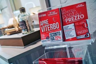 Mondo Convenienza a Viterbo, la festa e lo store
