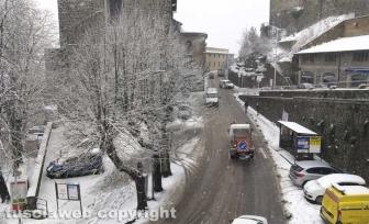 Maltempo - La neve a Montefiascone - Uno spazzaneve