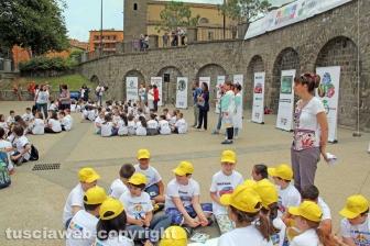 Oltre 250 ragazzi in piazza per rispettare l'ambiente