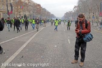 Parigi, fotografi e giornalisti sul campo - 8 dicembre - Foto Daniele Camilli