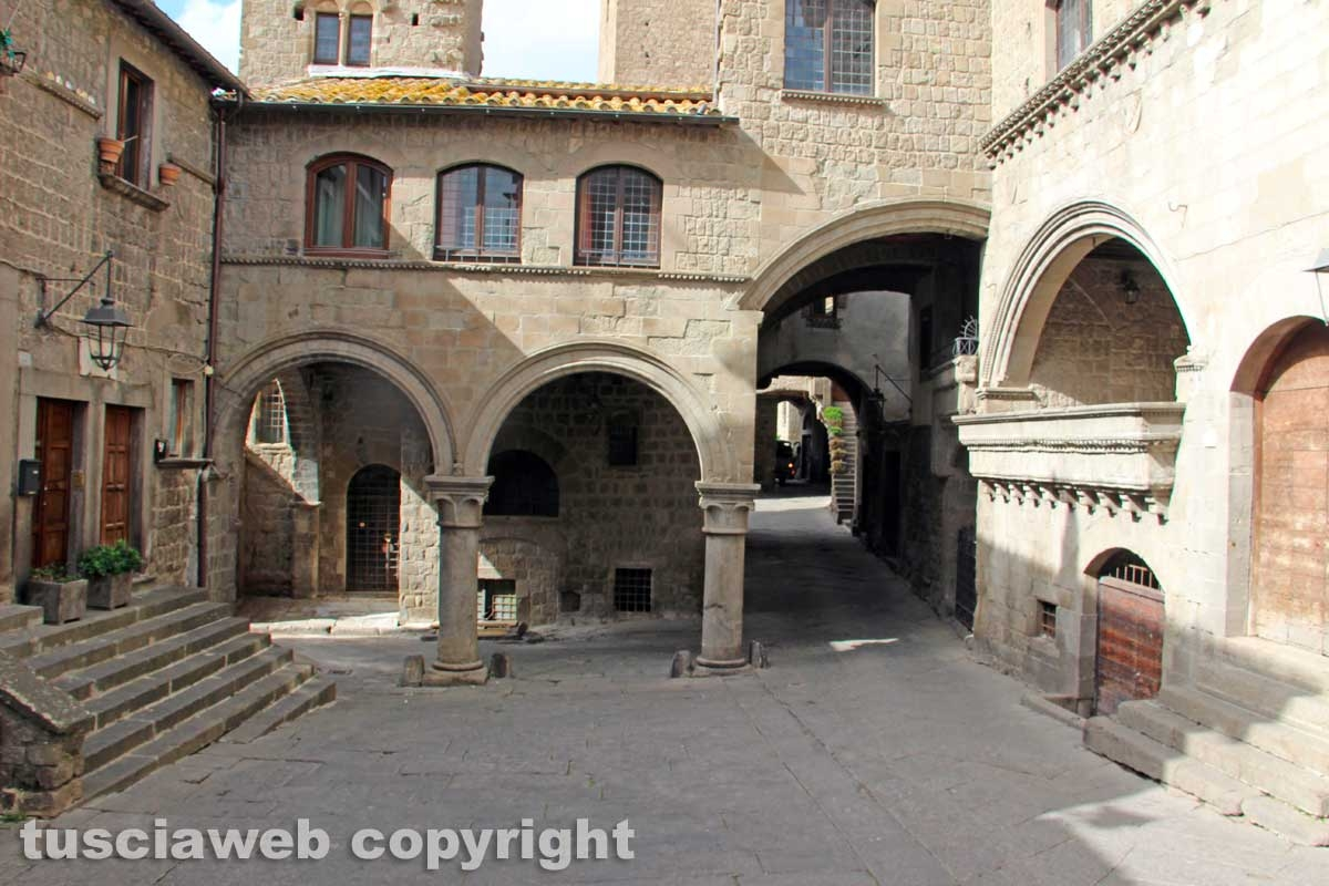 Piazza San Carluccio in sicurezza