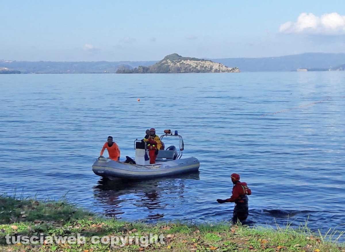 Lago di Bolsena - Le ricerche del disperso - I vigili del fuoco