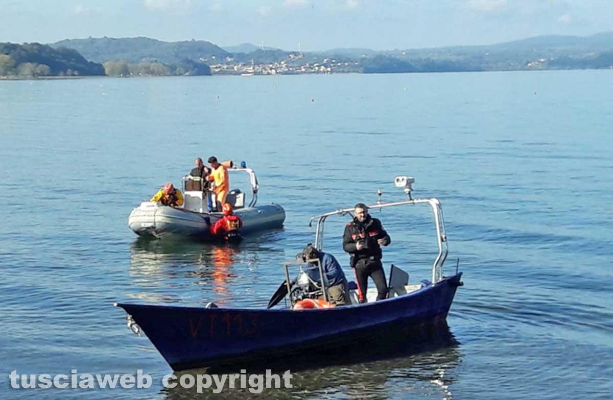 Lago di Bolsena - Le ricerche del disperso - I vigili del fuoco e i carabinieri