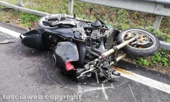 Cimina - Scontro auto-moto, muore centauro