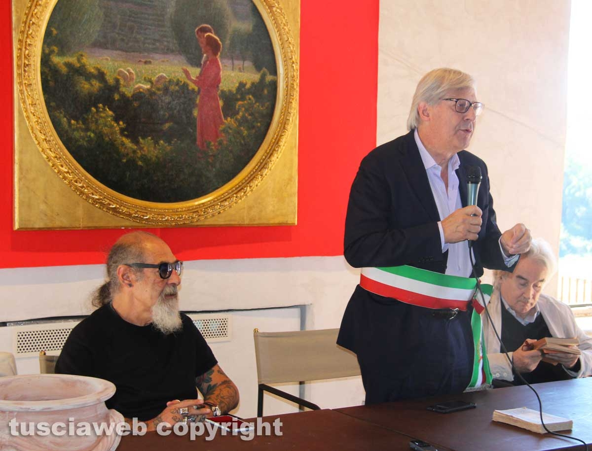Sutri - L'intitolazione delle vie a Benedetto Croce e Federico Zeri - Roberto D'Agostino e Vittorio Sgarbi